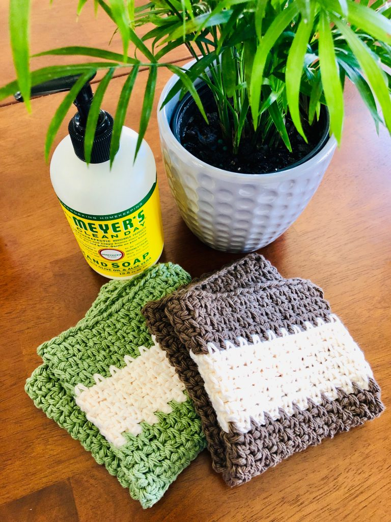 brown-and-green-washcloths