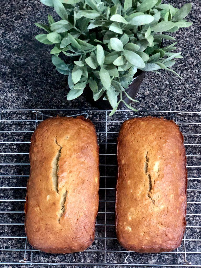 banana bread cooling